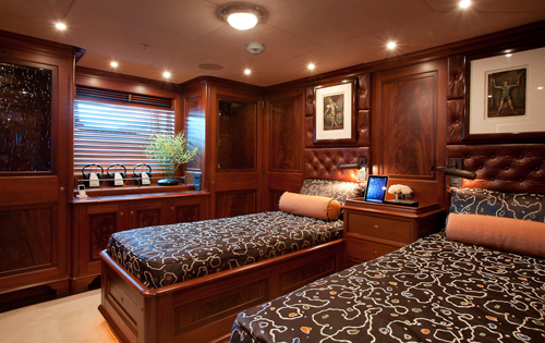Sailing yacht TIARA -  Twin Cabin
